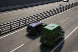Auf der Autobahn kann eine Geschwindigkeitsüberschreitung schnell gefährlich werden.