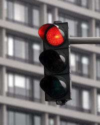 Blitz bei roter Ampel: Er kann auffällig sein oder auch gar nicht bemerkt werden.