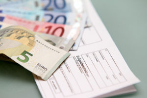 Ein Bußgeldbescheid muss auch ohne Unterschrift gezahlt werden