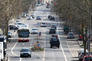 Ein Bussonderfahrstreifen ist vor allem für den Linienverkehr gedacht.