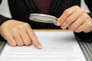 Falscher Name im Bußgeldbescheid? Dies führt nicht automatisch dazu, dass das Schreiben unwirksam ist.