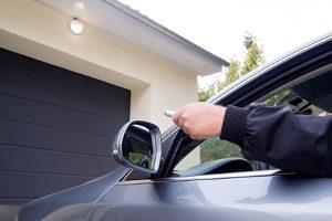 Möchten Sie Ihren Führerschein ohne MPU zurückbekommen, muss Ihr Auto lange die Garage hüten.