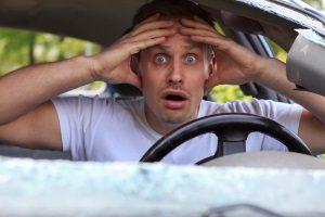 Unabsichtlich zum Geisterfahrer geworden – Was tun? Geraten Sie nicht in Panik!