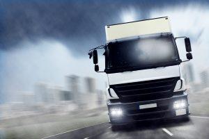 Gibt es für Lkw ein Nachtfahrverbot auf der Autobahn?