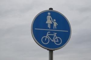Wer weiterhin zu Fuß oder per Rad unterwegs ist, muss die MPU ohne Führerschein nicht fürchten.