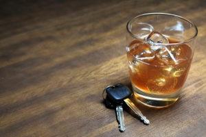 Ursache für die Auferlegung einer MPU oder Nachschulung sind meist Alkohol und Drogen.