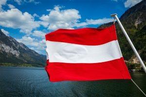 In Österreich gibt es ein gesetzlich festgelegtes Nachtfahrverbot.