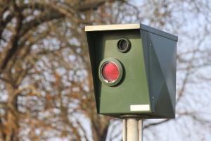 Radarwarner sollen vor Blitzerfotos schützen.
