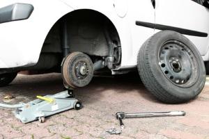 Es empfiehlt sich, für Sommer und Winter die Reifen zu wechseln.