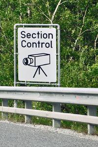 Section Control ist eine Form der Verkehrsüberwachung.