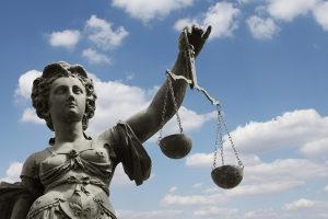 Das Gericht kann die Sperrfrist verkürzen - der Führerschein rückt dadurch näher.