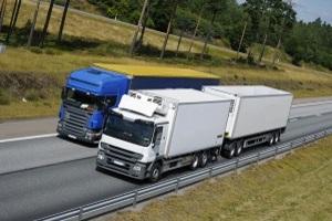 Wird ein zulässiges Gesamtgewicht von einem LKW bereits um zwei Prozent überschritten, droht eine Geldstrafe.